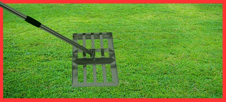 5 Best Lawn Leveling Rakes For Fixing Your Bumpy Lawn
